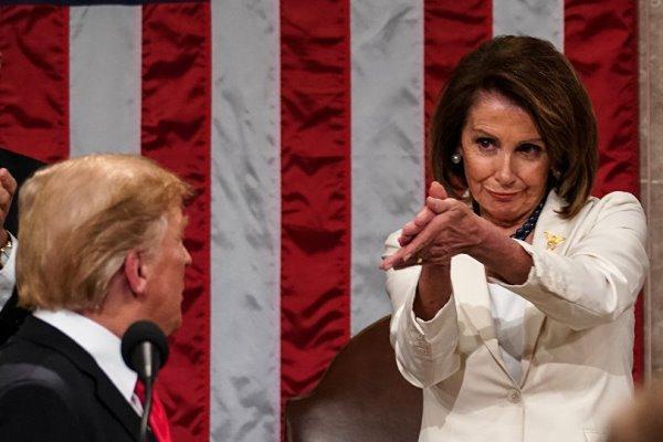 رئیس مجلس نمایندگان آمریکا از اعلام جُرم علیه ترامپ حمایت کرد