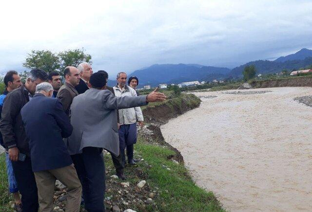بارندگی شدید و سیل در گیلان ، تخریب راه های روستایی و قطع گاز و برق بعضی خانه های تالش
