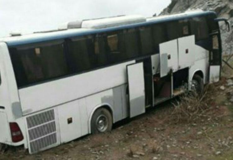 برخورد اتوبوس با کامیون در آزادراه همدان - قزوین