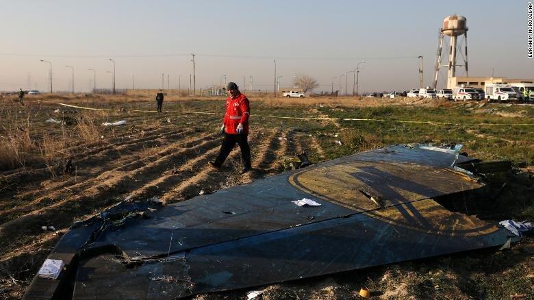 فیلم ، سقوط بوئینگ در تهران؛ خانواده نگران در اوکراین