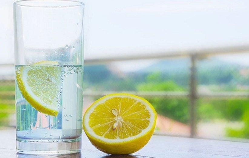فواید مصرف آب گرم و لیموترش به صورت ناشتا