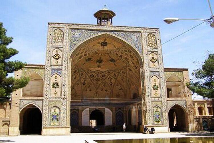 خبرنگاران باغ سنتی و نهر 800 ساله مسجد جامع سمنان به همت شهرداری احیا شد
