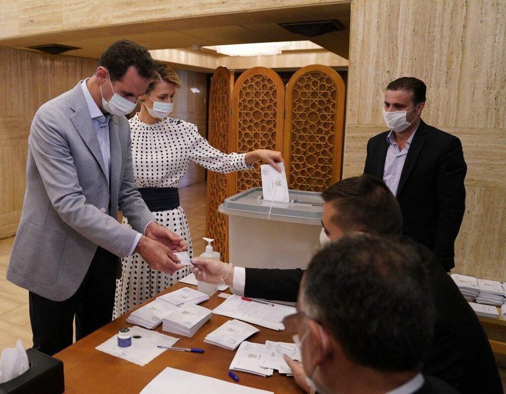 اسد و همسرش رای دادند، عکس