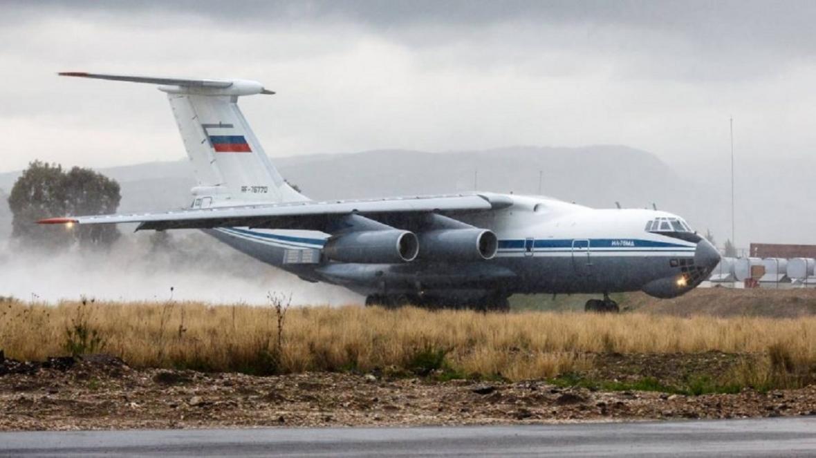 حدس ها درباره ارسال محموله تسلیحاتی هفت هواپیمای روسیه به سوریه