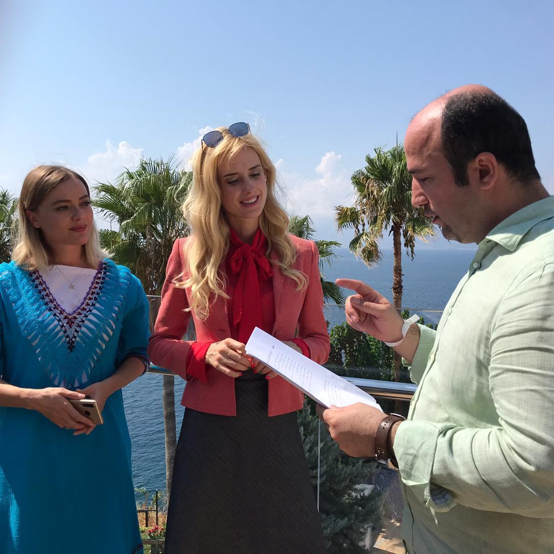ستاره معروف ترکیه جلوی دوربین هولیا رفت