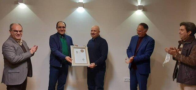 اعطای نشان درجه یک هنری به مهرداد اسکویی