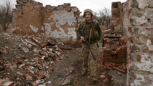 تاکید رهبران اوکراین، فرانسه و آلمان به روسیه برای عقب کشیدن نیروهایش