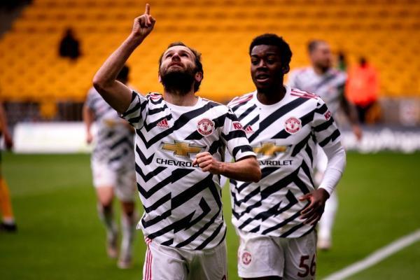 پیروزی یونایتد و سیتی، شکست چلسی با طعم کسب سهمیه لیگ قهرمانان، مانه، لیورپولی ها را به لیگ قهرمانان برد